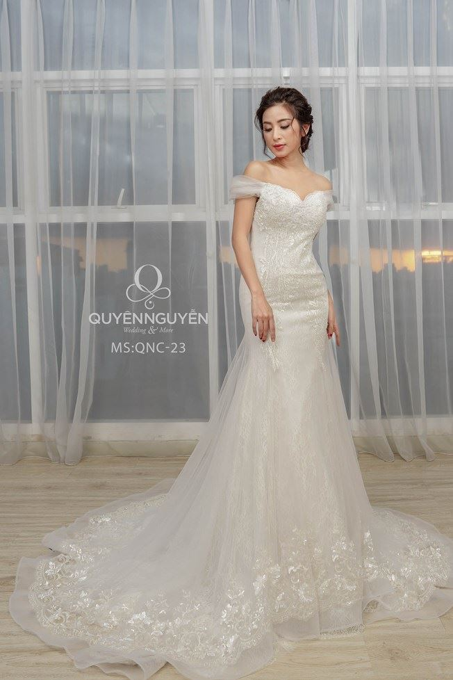 Váy cưới đuôi cá QNC23