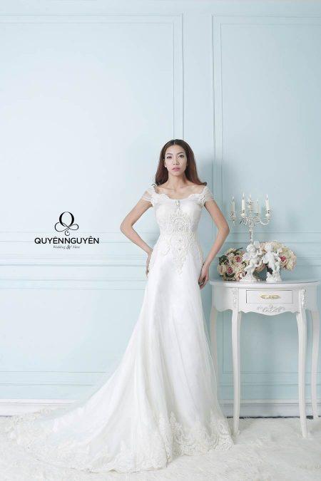Váy cưới dáng A lai đuôi cá