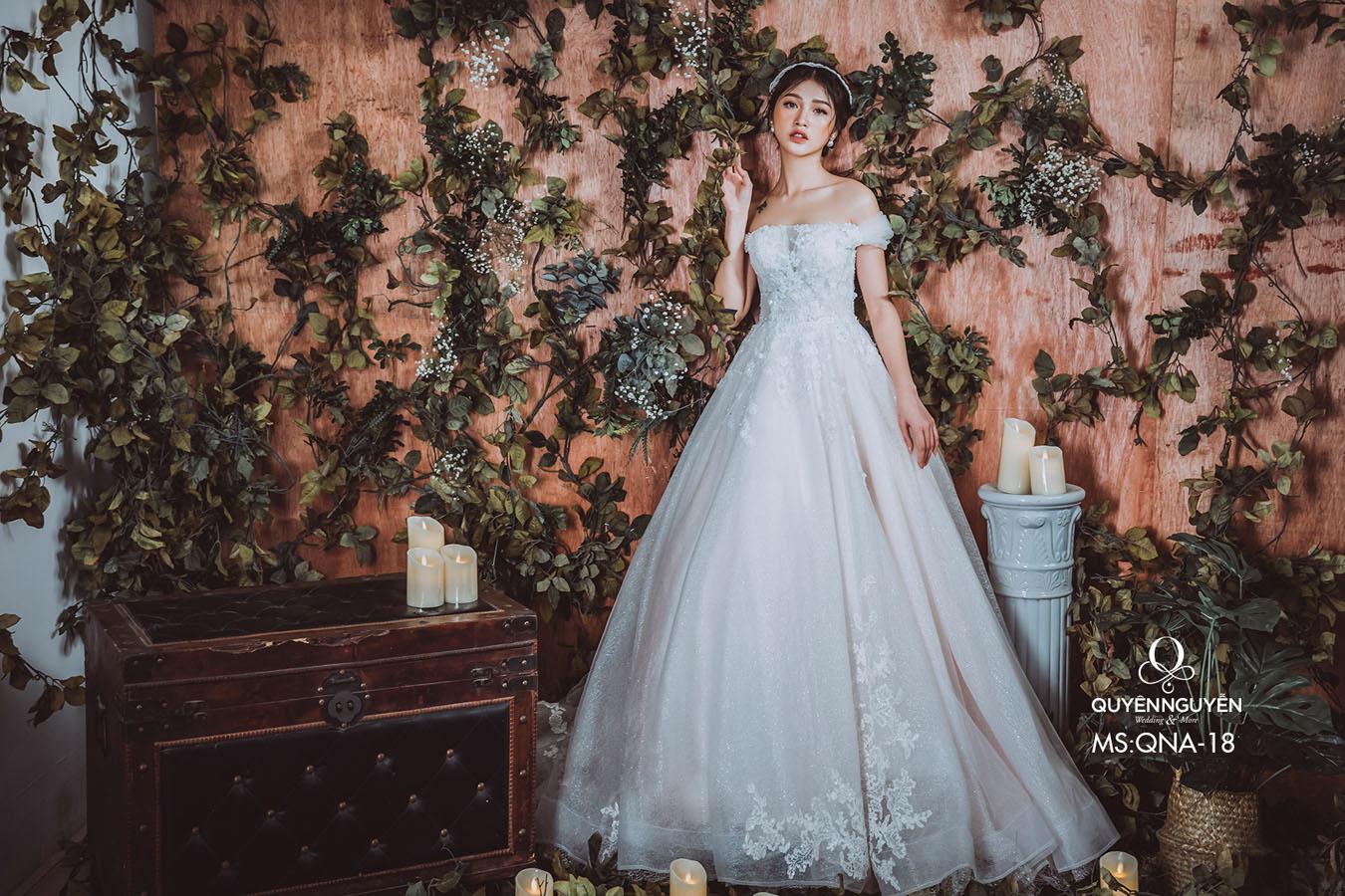 Váy cưới dáng A QNA 18