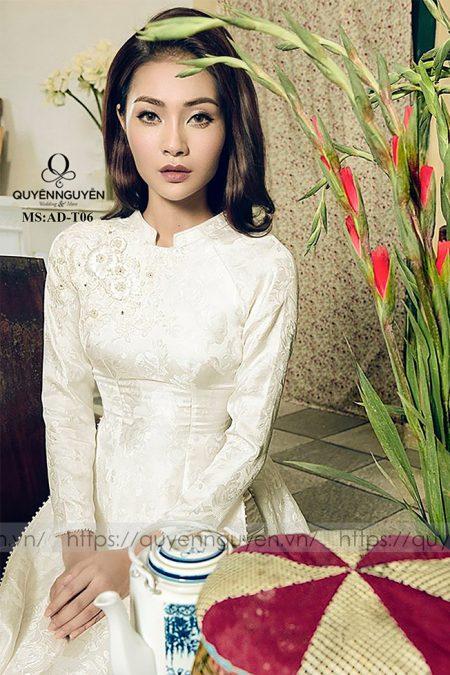 Áo dài trắng AD T06