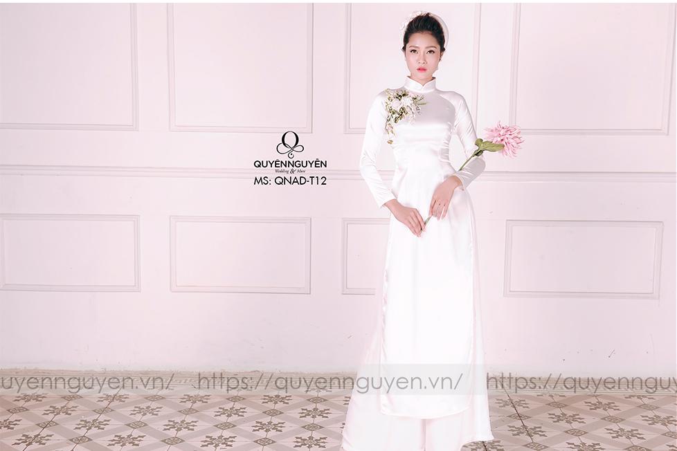 Áo dài trắng AD T12