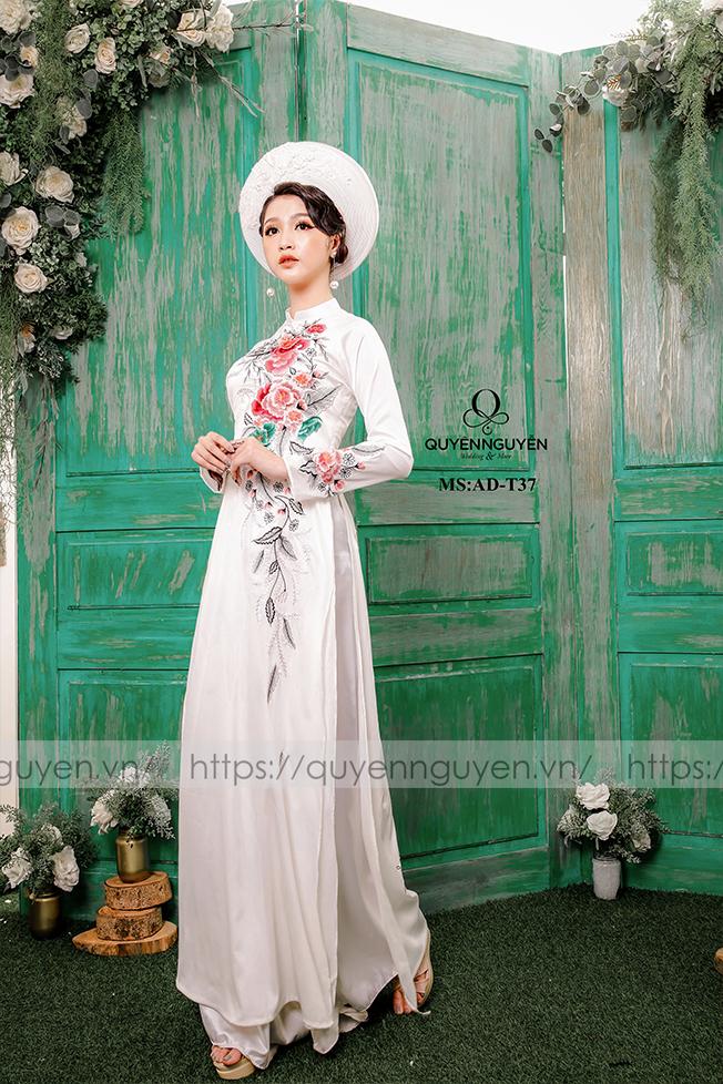 Áo dài trắng AD T37