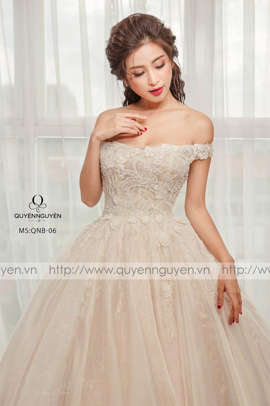 Váy cưới dáng bồng QNB06