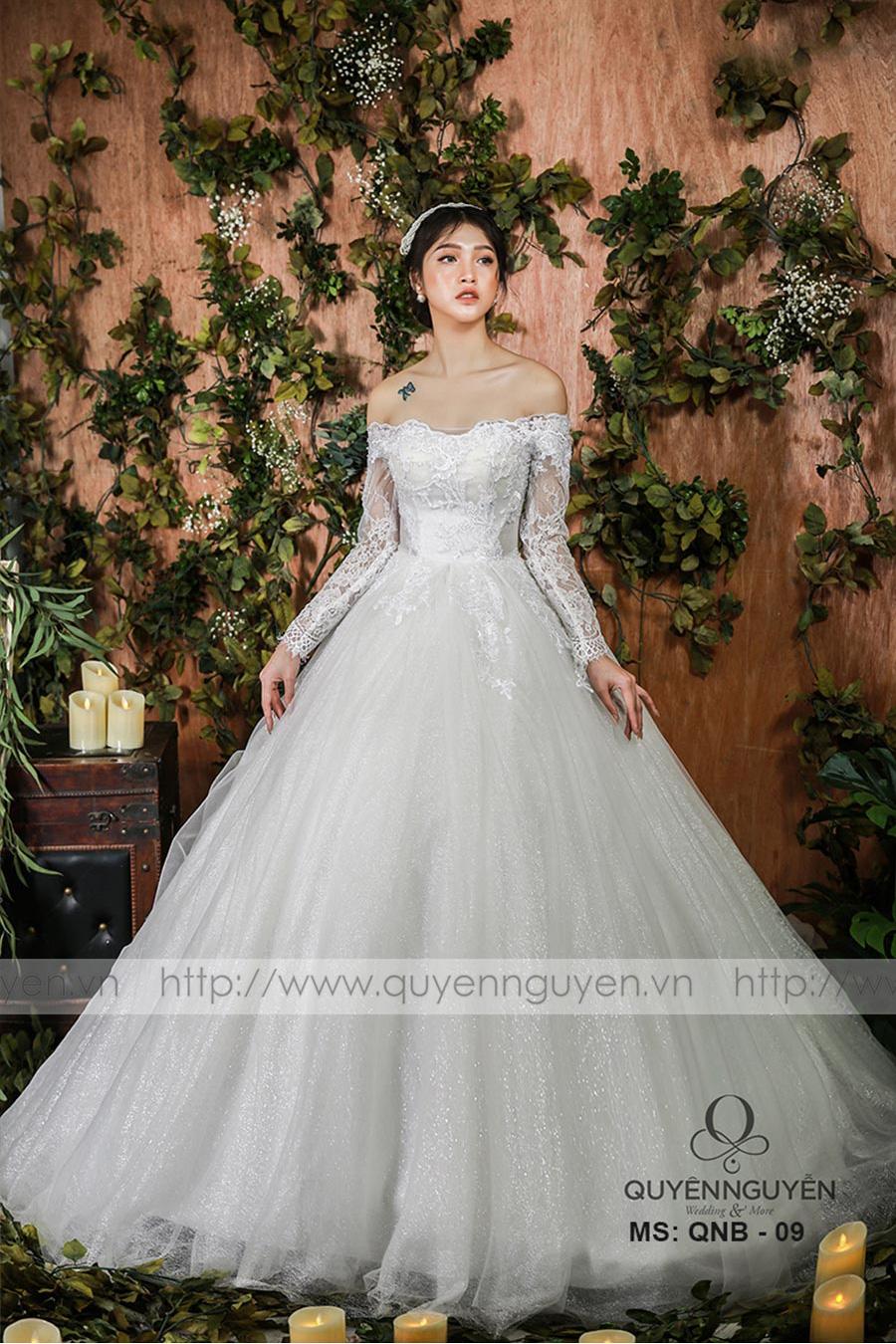 Mẫu váy cưới dáng bồng QNB009