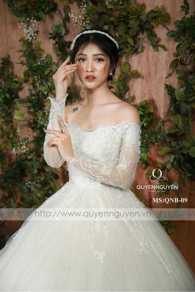 Váy cưới dáng bồng QNB 09