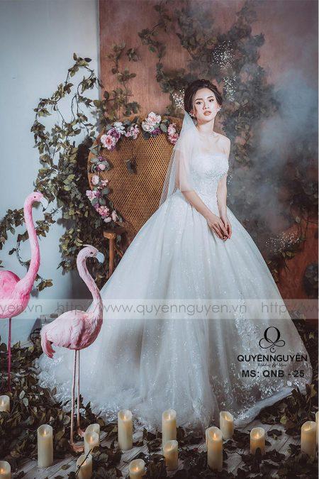 Váy cưới dáng bồng QNB 25