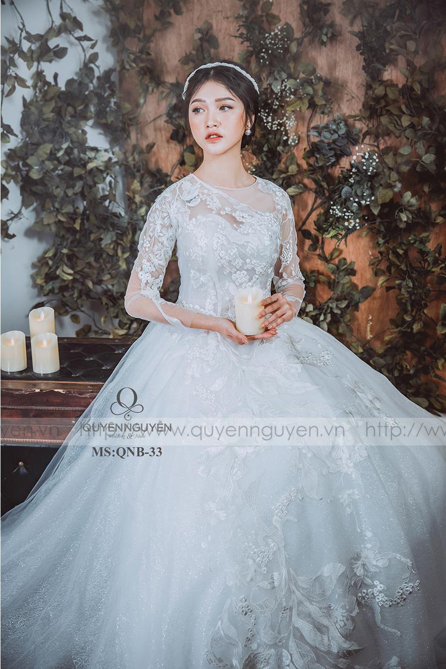 Váy cưới dáng bồng QNB