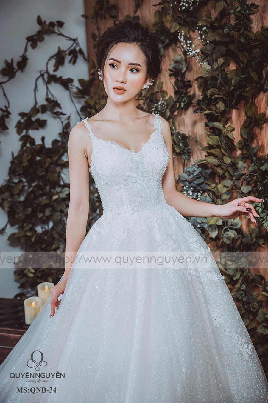 Váy cưới dáng bồng QNB34