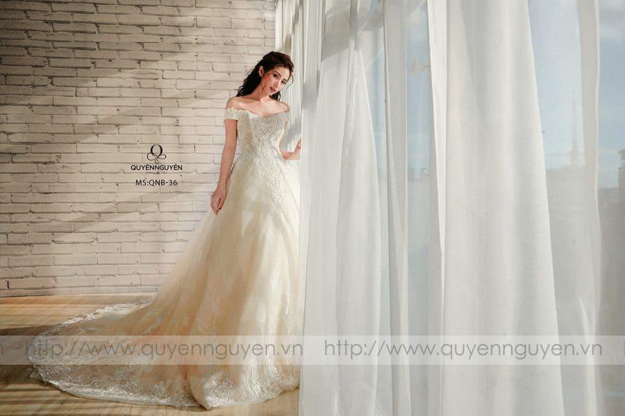 Váy cưới dáng bồng QNB36