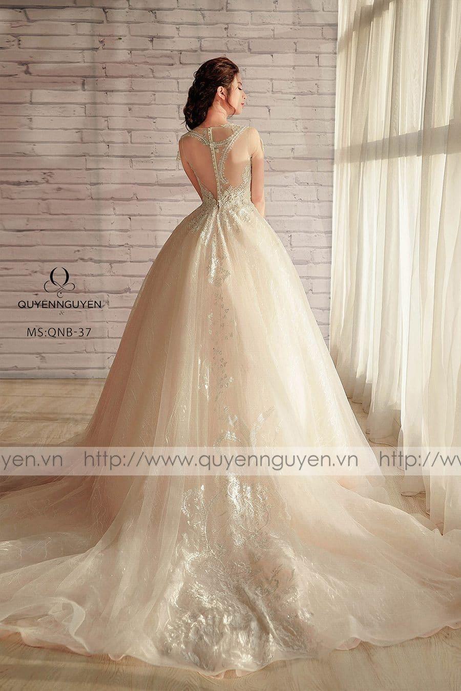 Váy cưới dáng bồng công chúa QNB 37