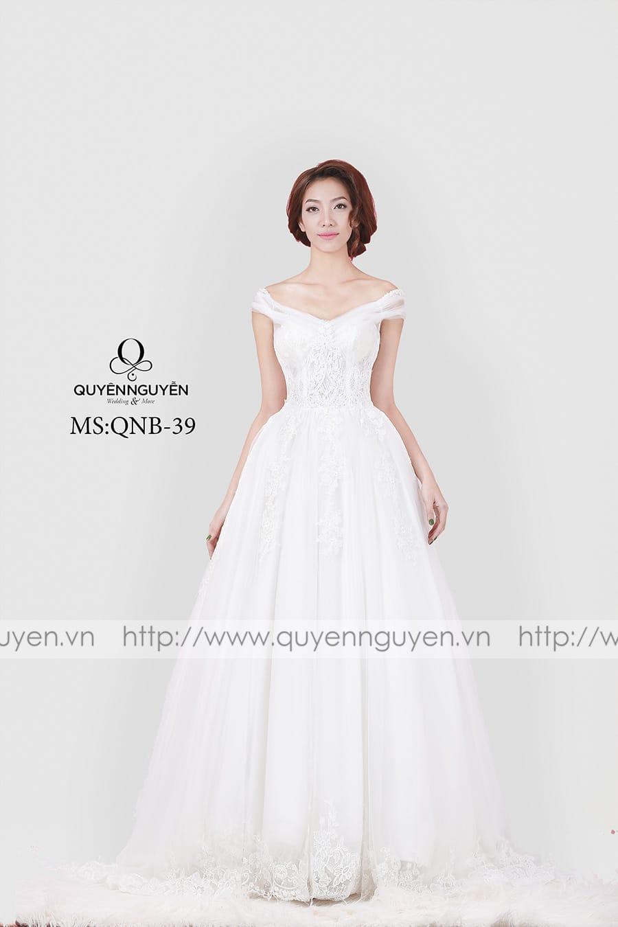 Váy cưới dáng bồng QNB 39