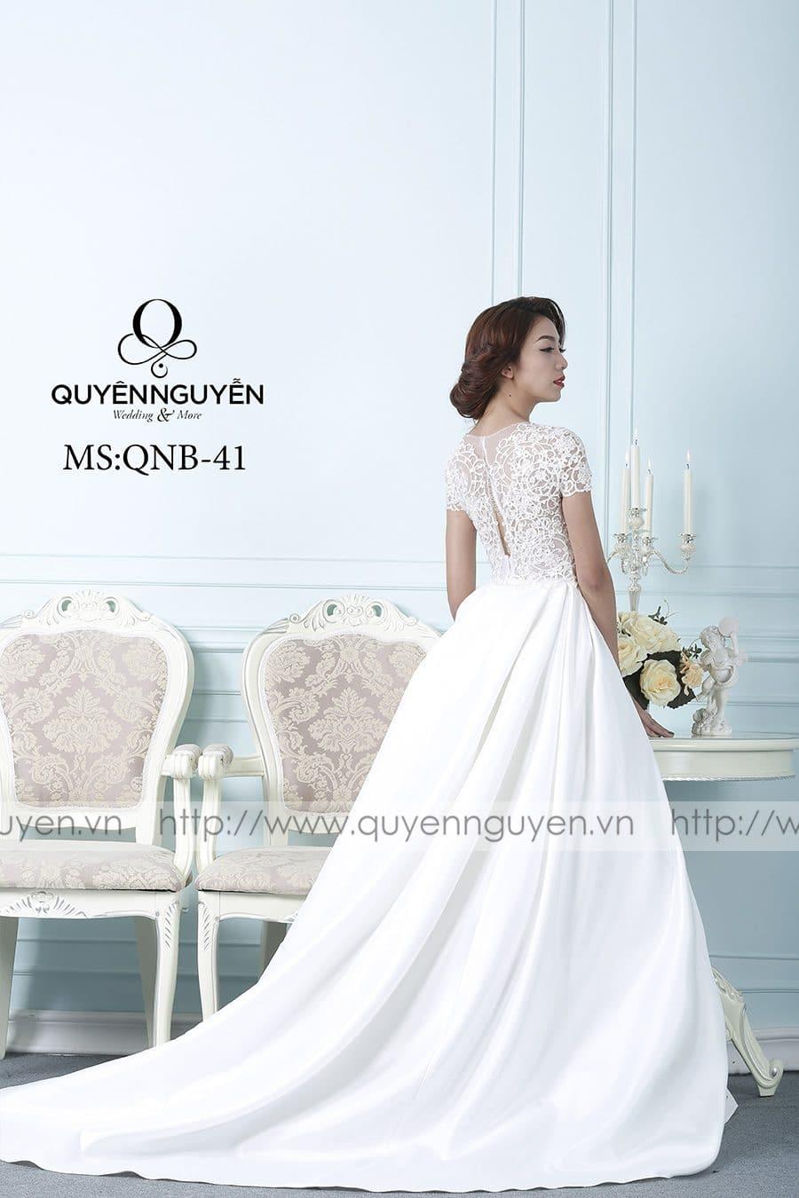 Váy cưới dáng bồng QNB41
