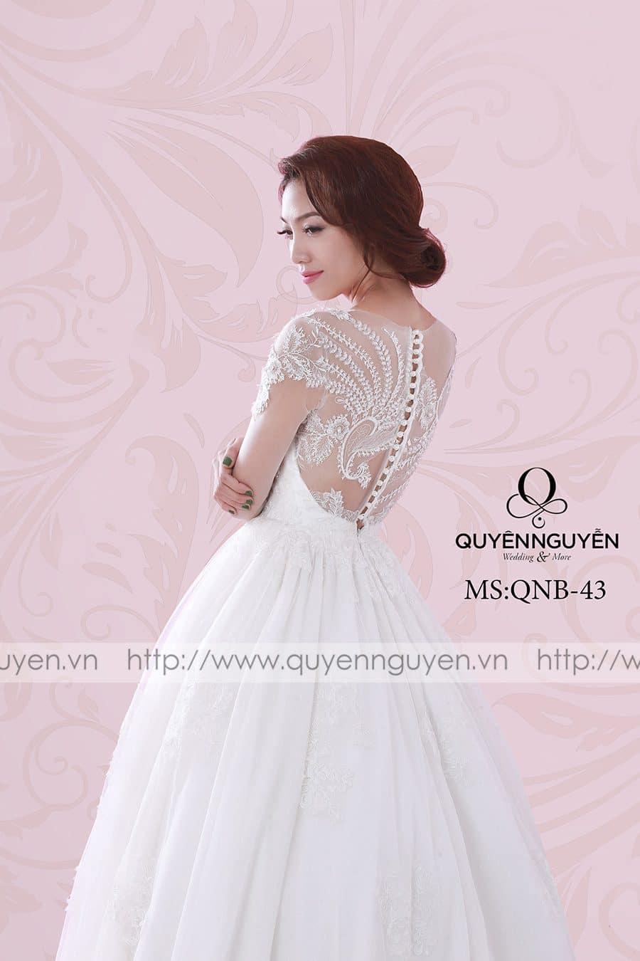 Váy cưới dáng bồng QNB43