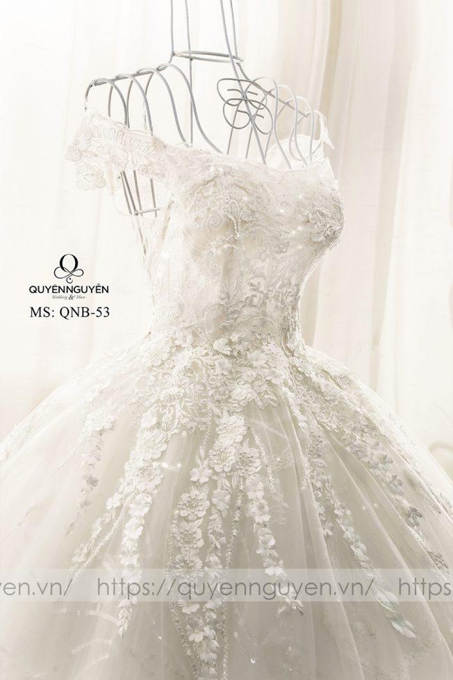 Váy cưới dáng bồng QNB53