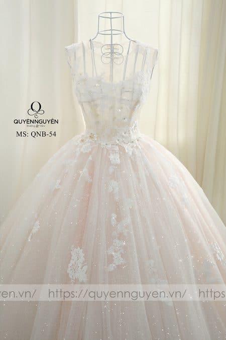 Váy cưới dáng bồng QNB 54