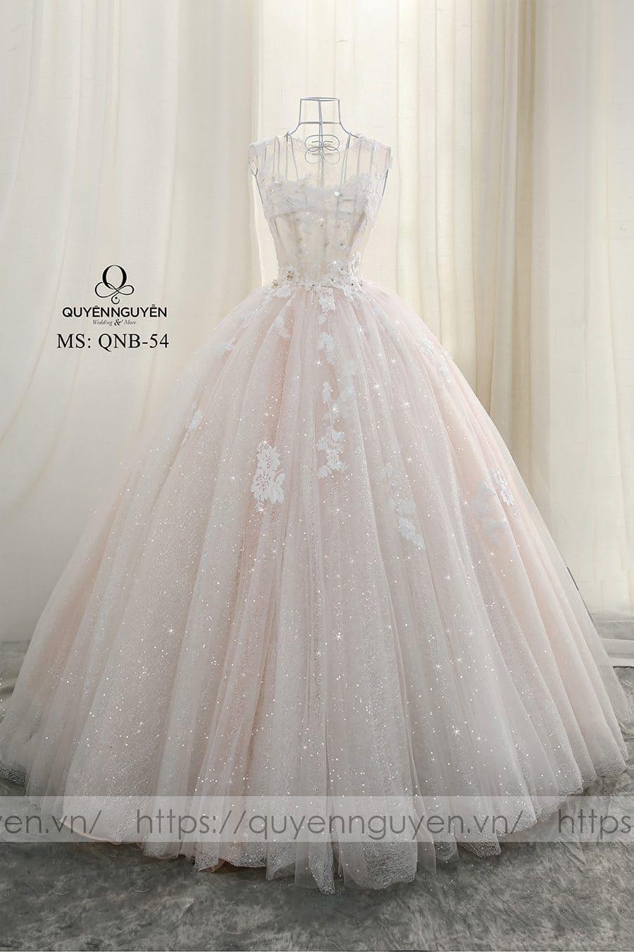 Váy cưới dáng bồng QNB54