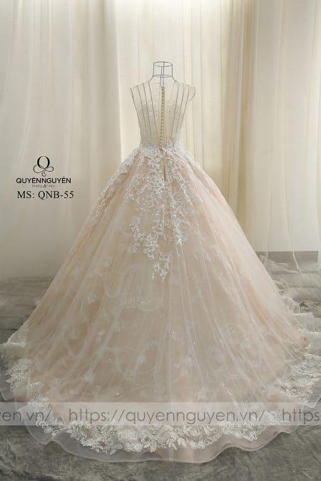 Váy cưới dáng bồng QNB 55