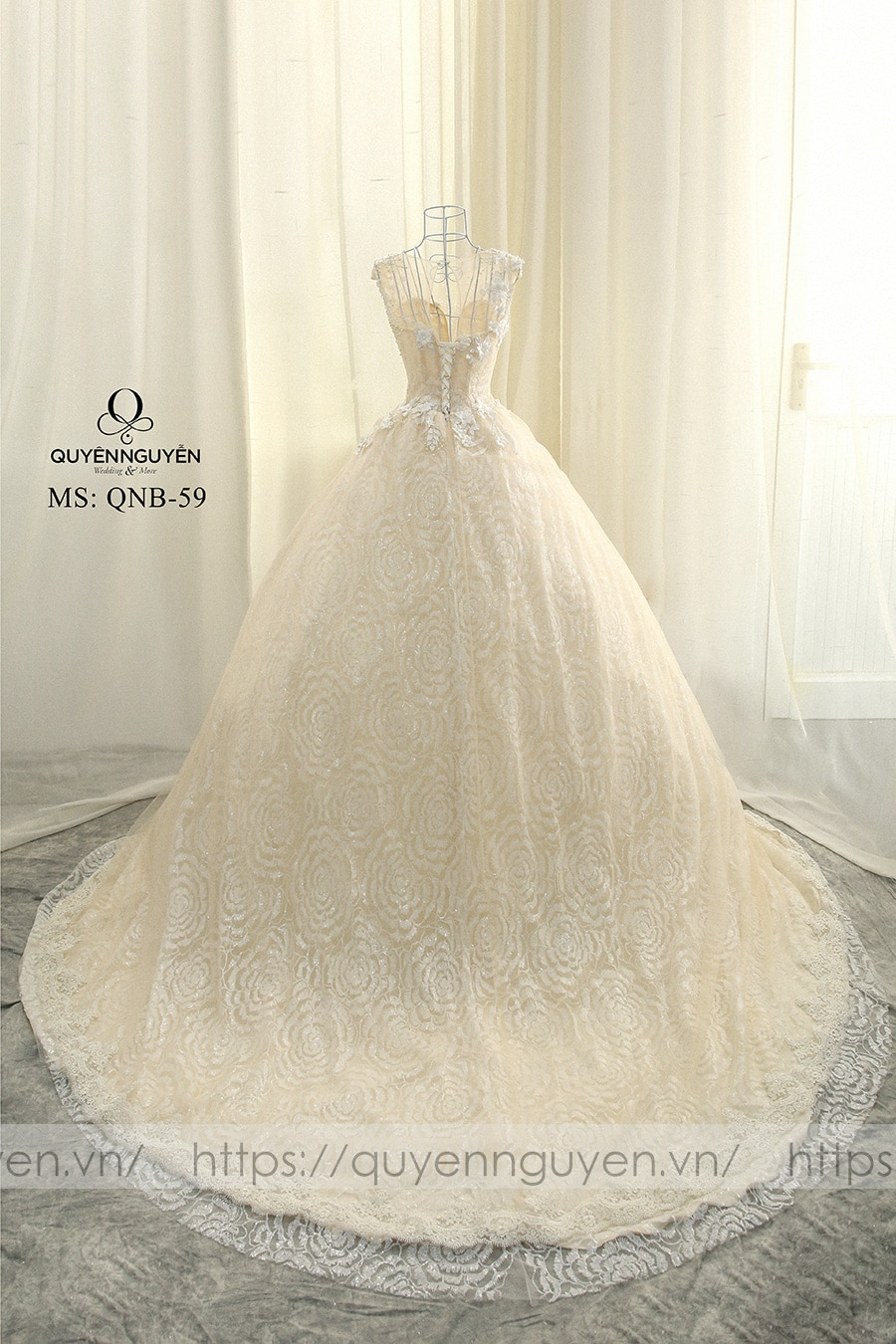 Váy cưới dáng bồng QNB58