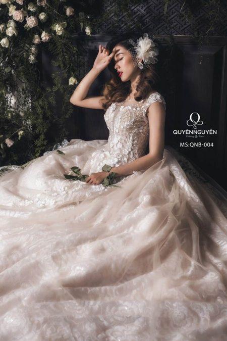Váy cưới dáng bồng QNB 004