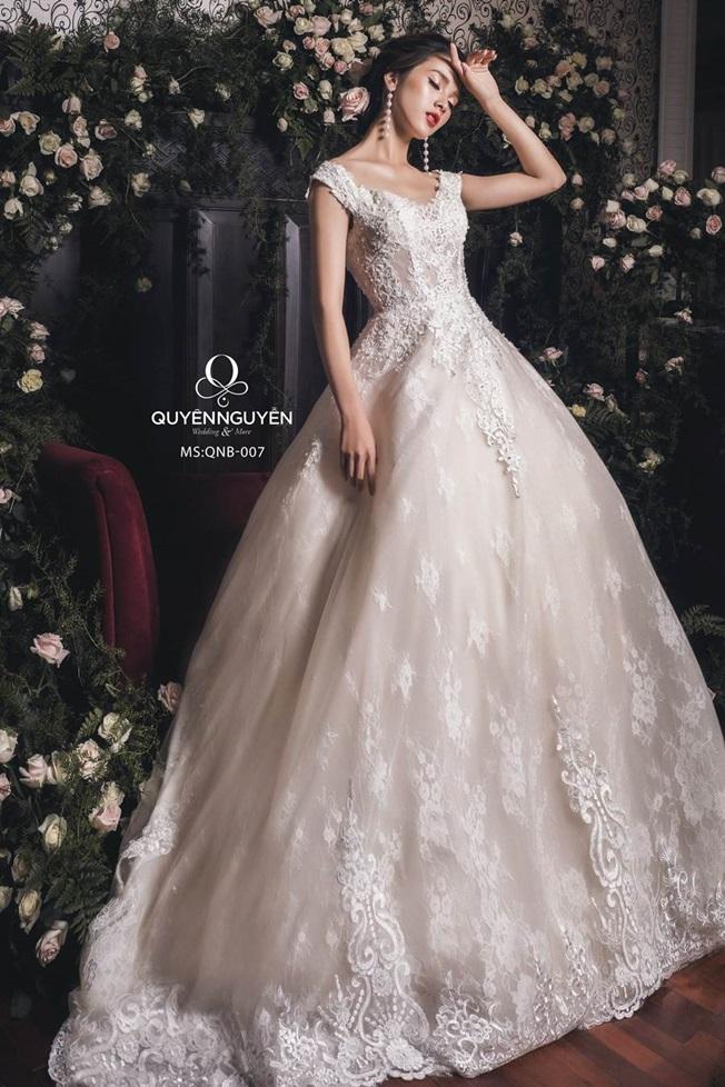 Váy cưới dáng bồng QNB 007