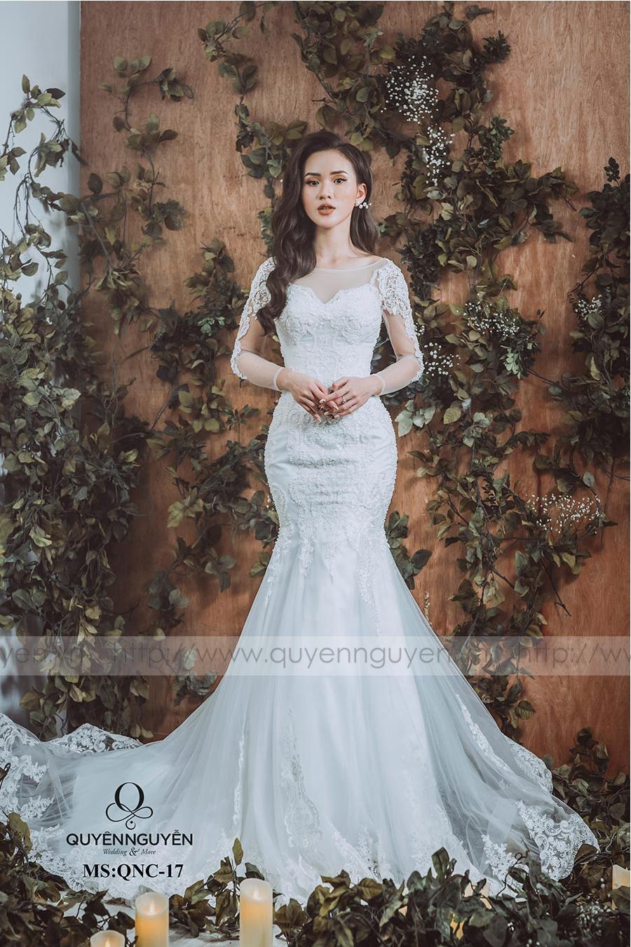 Váy cưới đuôi cá QNC 17
