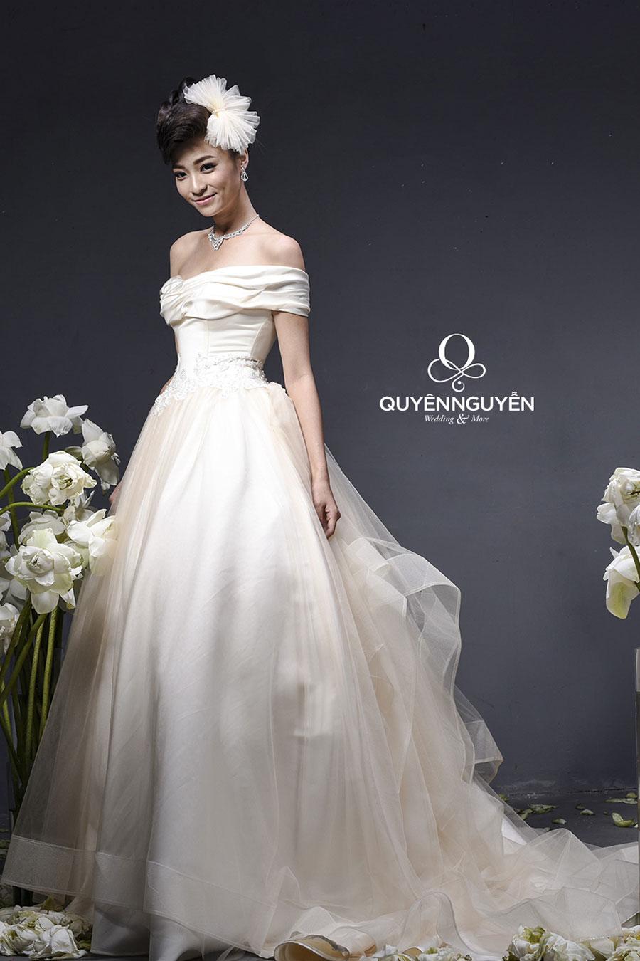 váy cưới mẫu 1