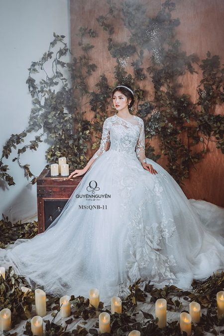 Váy cưới dáng bồng QNB 11