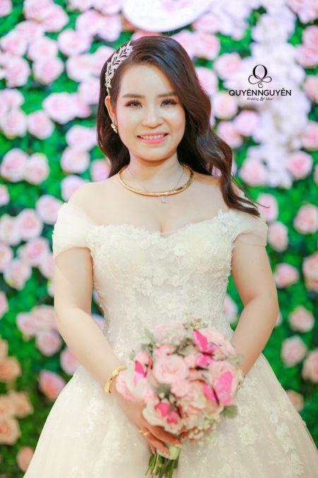 Váy cưới thiết kế dáng A cho cô dâu
