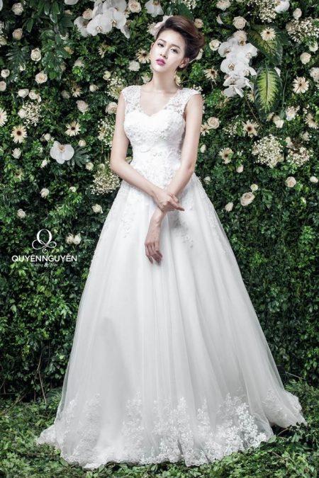 Váy cưới dáng A cải thiện vòng 1