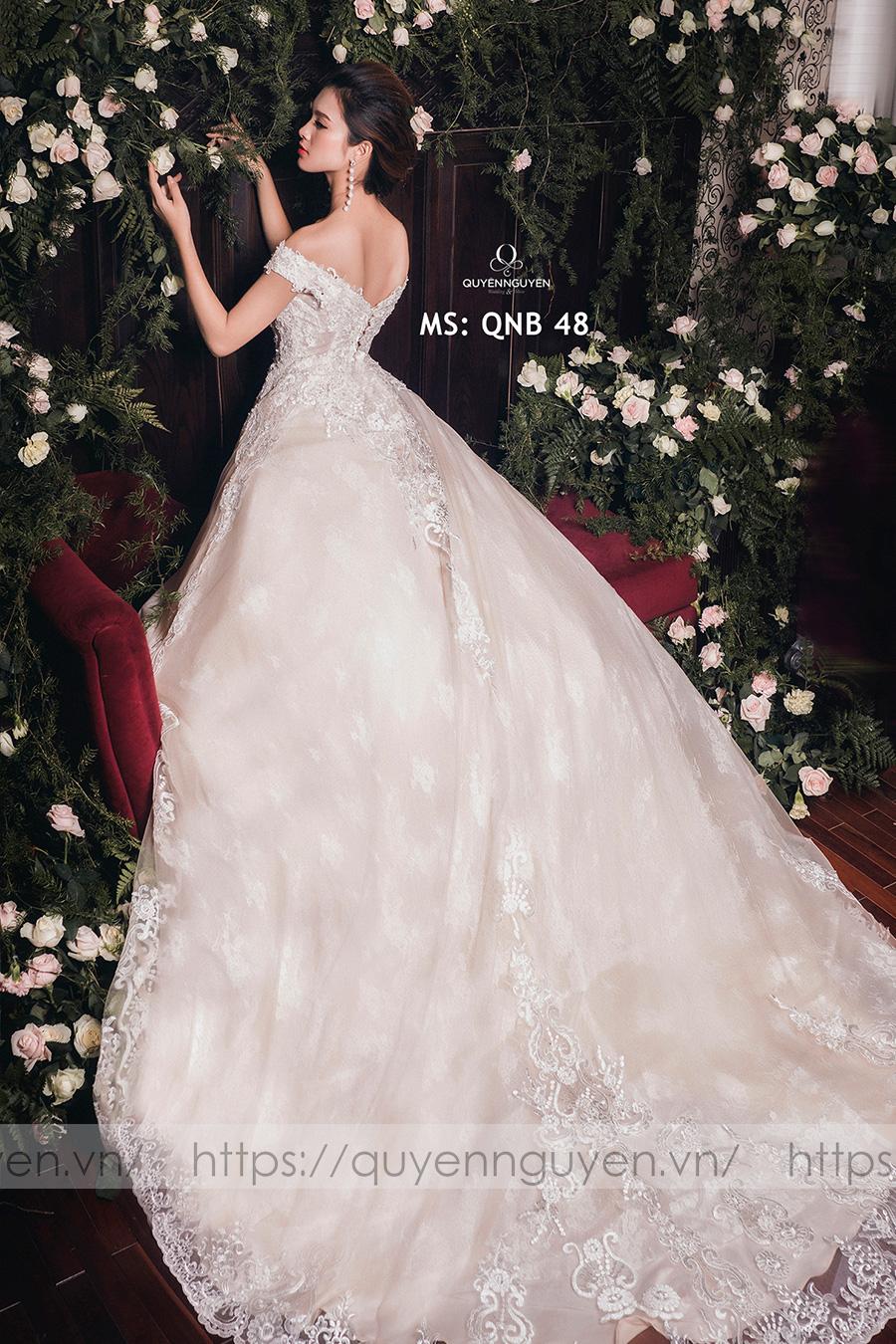Váy cưới dáng bồng QNB 48