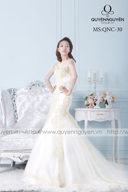Váy cưới vải satin dáng cá QNC 30