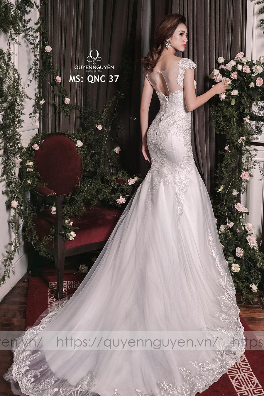 Váy cưới dáng cá QNC 37