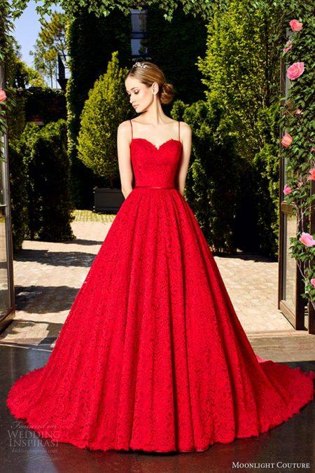 váy cưới 2 dây đuôi dài màu đỏ