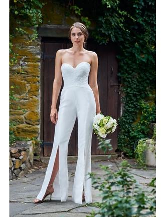 Váy cưới Jumpsuit