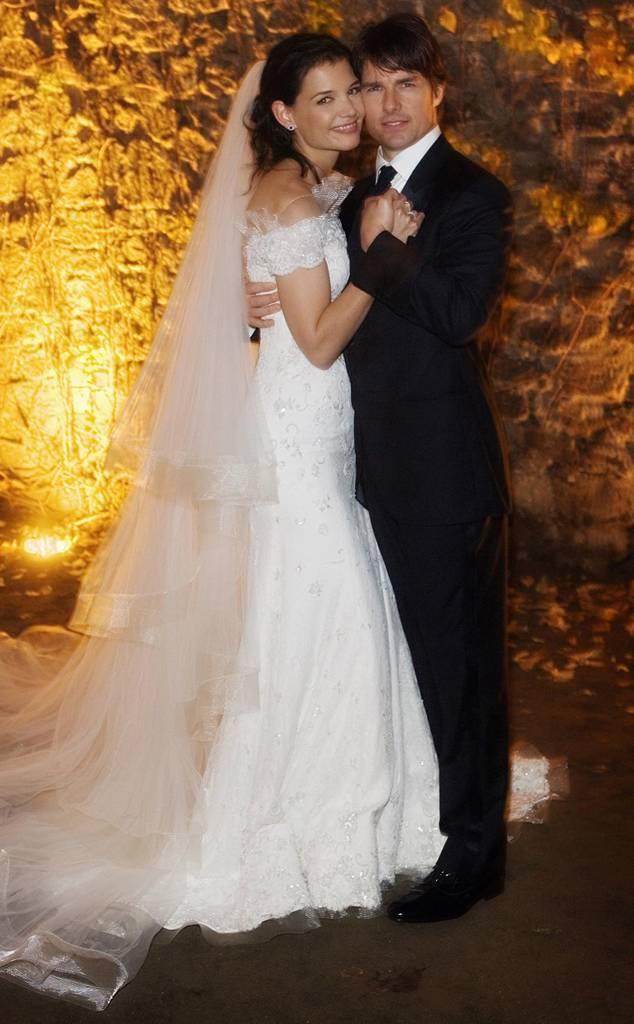 Váy cưới của vợ cũ Tom Cruise, Katie Homles