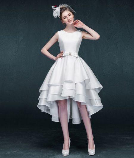 Váy cưới ngắn có mũ