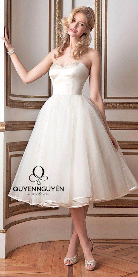 Váy cưới ngắn đơn giản