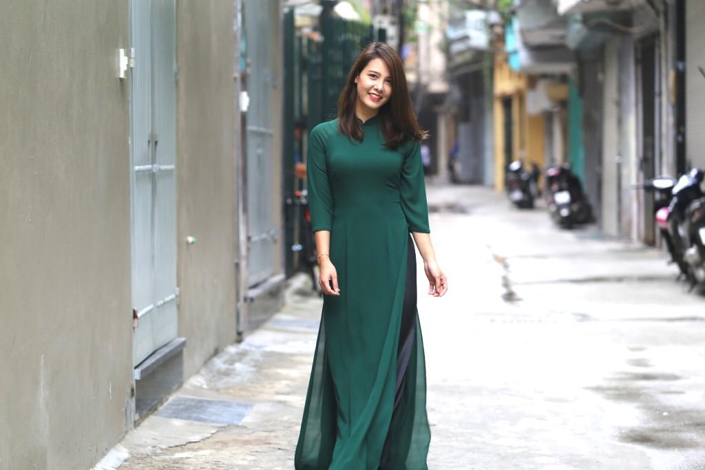 Áo dài cưới trơn màu xanh