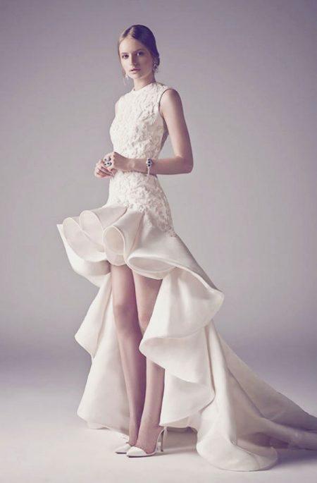 Váy cưới búp bê ngắn