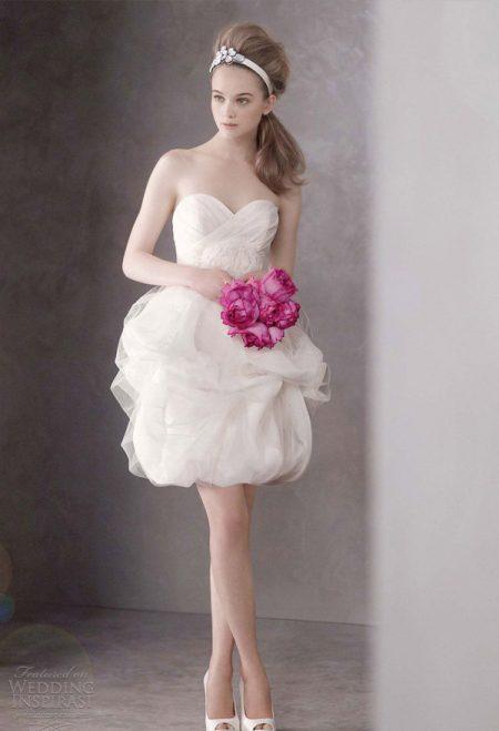 Váy cưới búp bê ngắn xinh xăn
