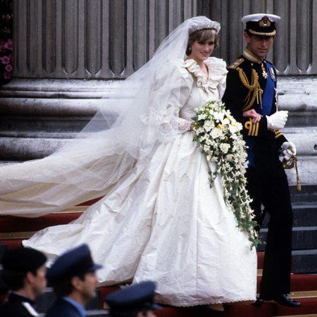 Váy cưới công nương Anh Diana