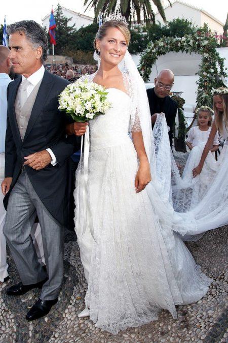 Váy cưới công nương Đan Mạch