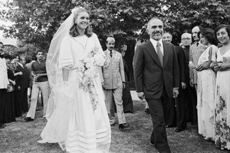 Váy cưới hoàng hậu jordan