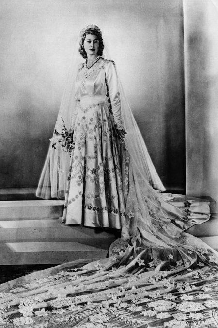 Váy cưới nữ hoàng anh Elizabeth