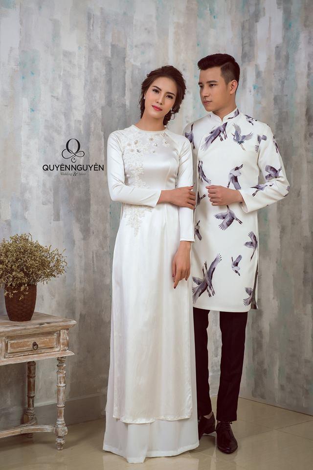 Áo dài đôi màu trắng đơn giản