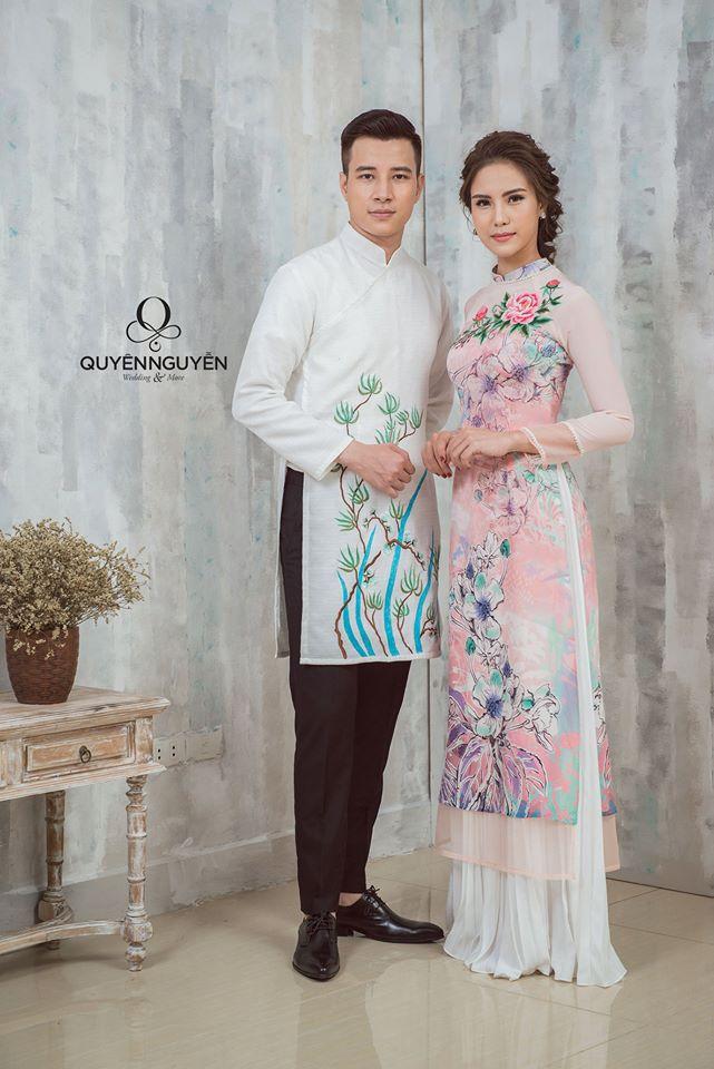 Áo dài chú rể trắng cô dâu hồng