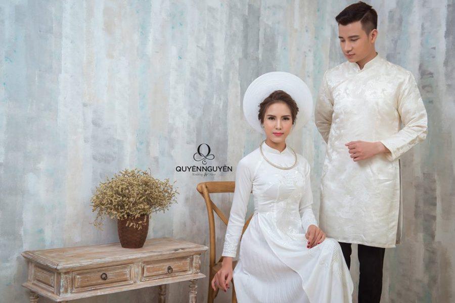 Áo dài cưới cho nam bằng lụa trắng trơn