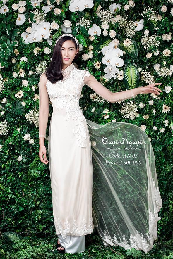 Áo dài cưới màu kem đuôi dài