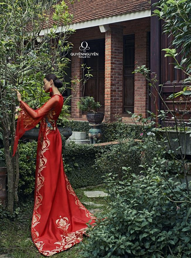 10 mẫu áo dài cưới đuôi dài