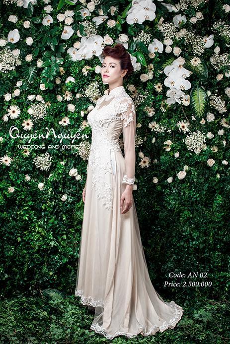 Áo dài cưới màu kem thêu hoa
